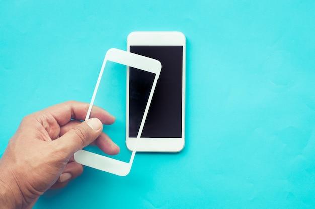 Męska tarcza ze szkła hartowanego lub folia na ekran z telefonem komórkowym