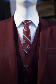 Męski manekin z ubraniami