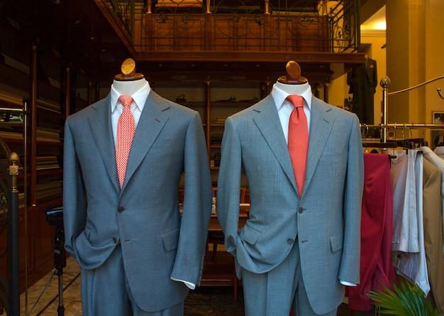 Męskie garnitury biznesowe