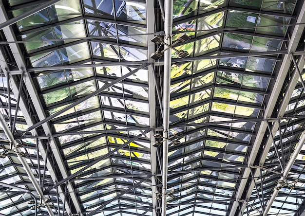 Metalowa konstrukcja dachu