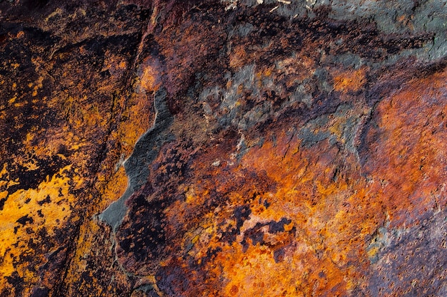 Metalowa rdza tekstury lub tła z plamami korozji.