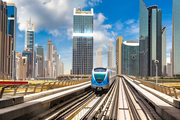 Metro w dubaju, zjednoczone emiraty arabskie