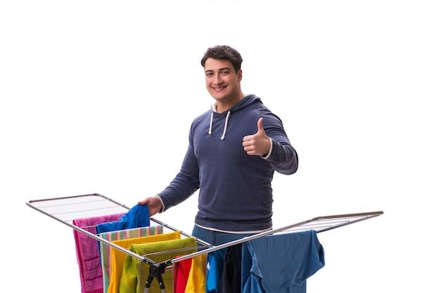 Męża mężczyzna robi pralni odizolowywającej