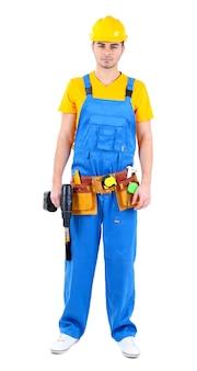 Mężczyzna budowniczy w żółtym kasku na białym tle