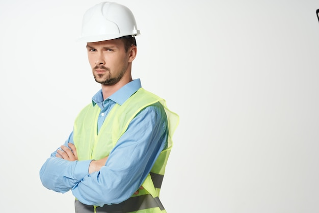 Mężczyzna budowniczych profesjonalne tło światło pracy. zdjęcie wysokiej jakości