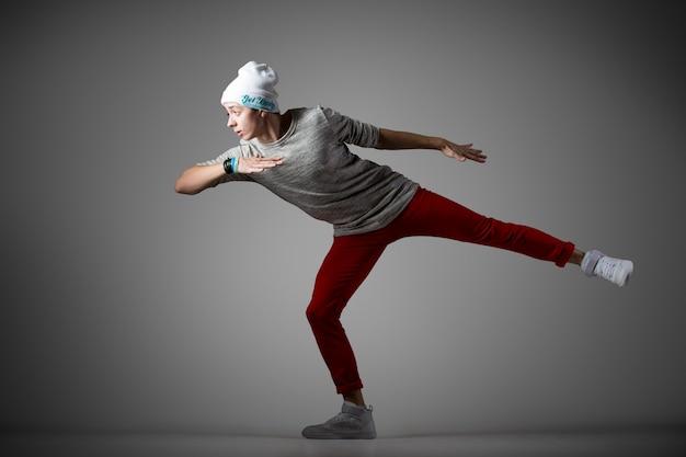 Mężczyzna ćwiczenia tancerz
