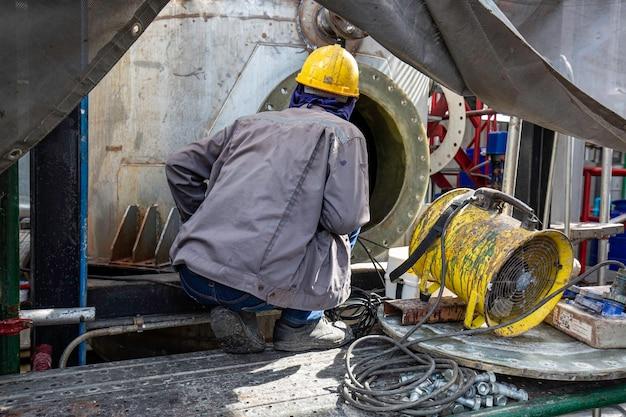 Mężczyzna do zbiornika oleju w przestrzeni zamkniętej dmuchawa bezpieczeństwa świeżego powietrza