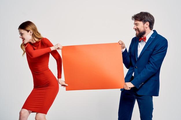 Mężczyzna i kobieta czerwona makieta plakat reklamowy sprzedaż miejsca na kawę
