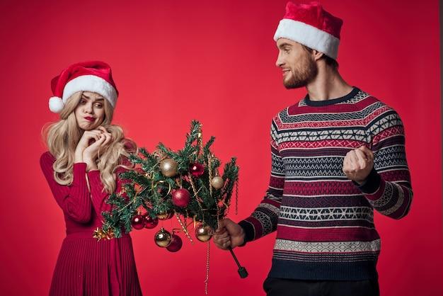 Mężczyzna i kobieta wakacje świąteczna dekoracja romans rodzinny. zdjęcie wysokiej jakości