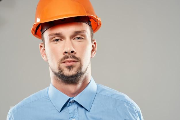 Mężczyzna inżynier praca zawodowa praca zawód
