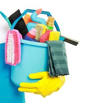 Mężczyzna oferujący usługę sprzątania