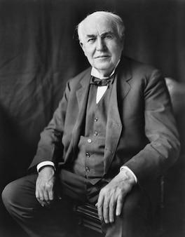 Mężczyzna portret thomas alva edison wynalazca