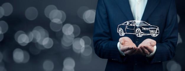 Mężczyzna ręka samochód na ekranie na tle bokeh