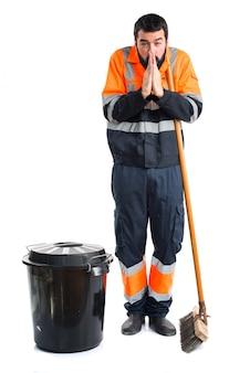 Mężczyzna śmieciarz