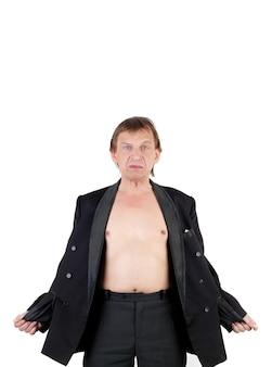 Mężczyzna w średnim wieku z pustymi kieszeniami na zewnątrz