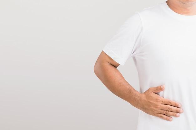 Mężczyzna z problemami z wątrobą lub nerkami