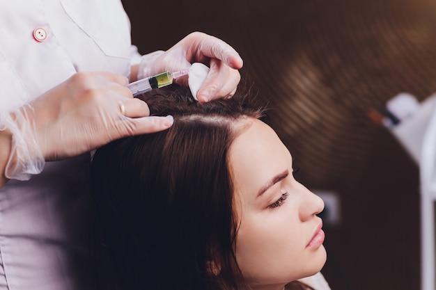 Mezoterapia igłowa w salonie kosmetycznym