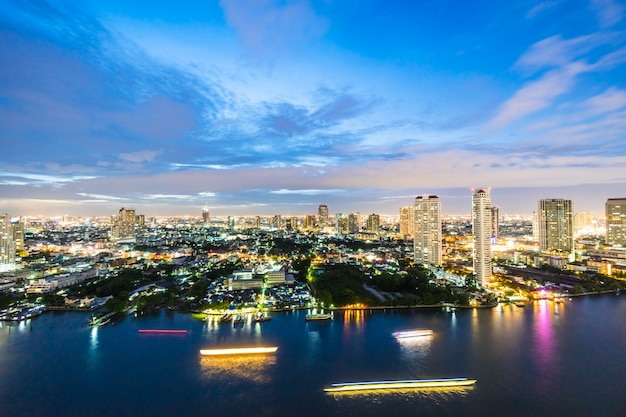 Miasto bangkok w nocy