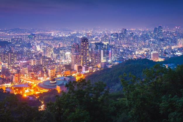 Miasto seul nocą, korea południowa.