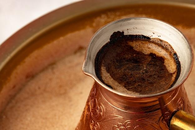 Miedź turk z zaparzaniem kawy w piasku