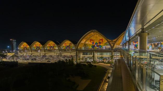 Międzynarodowe lotnisko mactan cebu