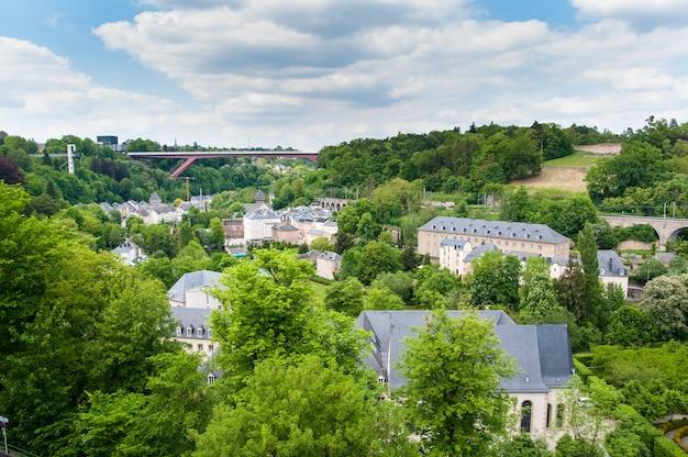 Miejskie widoki miasta luksemburg w europie
