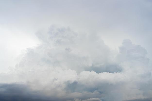 Miękkie niebo i chmury