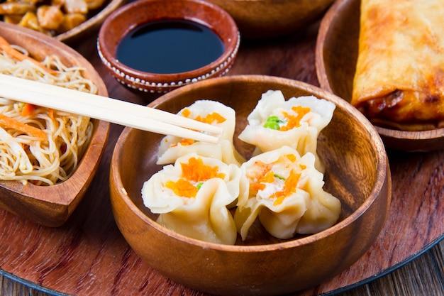 Mieszane chińskie jedzenie