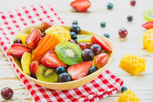 Mieszane i różnorodne owoce