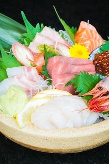 Mieszane sashimi