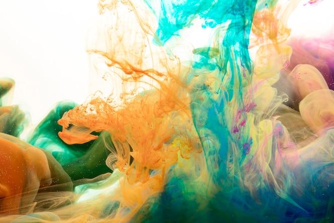 Mieszanie rozprysków farby