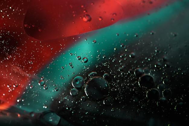 Mieszanie wody i oleju, piękna abstrakcja makro w kolorze