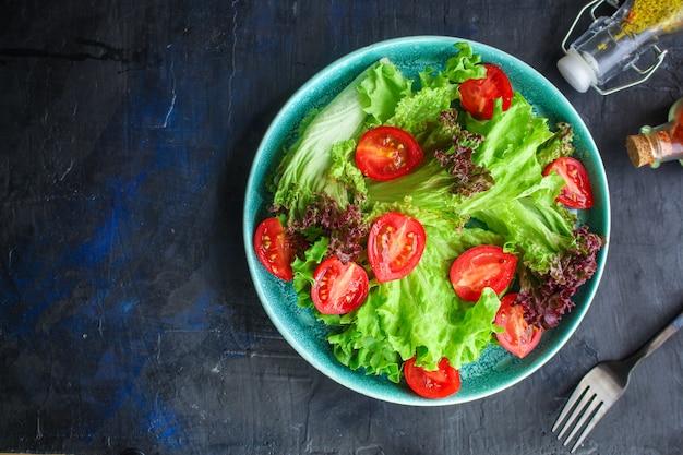 Mieszanka zdrowych liści sałaty