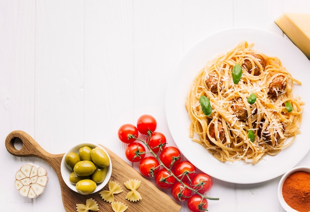 Mieszkanie nieatutowy włoski karmowy skład z copyspace