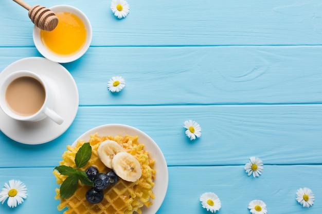 Mieszkanie świeckich skład śniadanie z copyspace