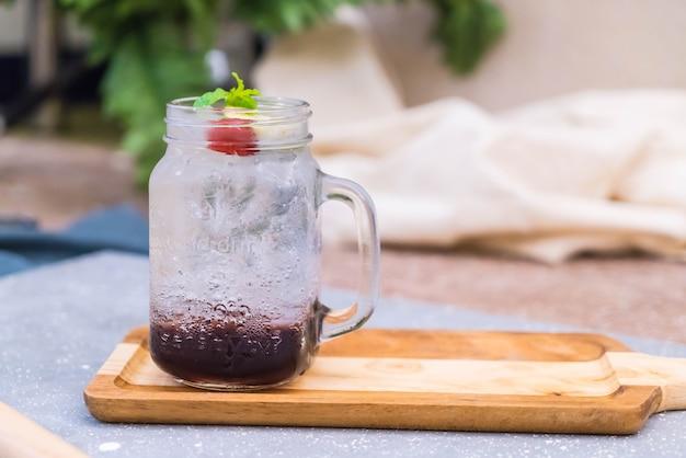 Miętowa soda z winogron