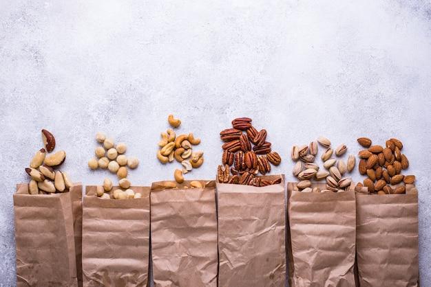 Migdały, orzechy pekan, makadamia, pistacje i orzechy nerkowca