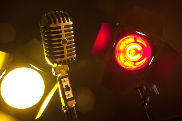 Mikrofon audio w stylu retro
