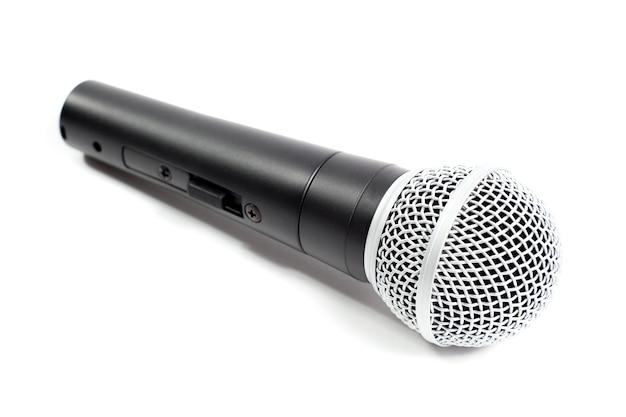 Mikrofon na białym tle