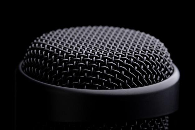 Mikrofon studyjny z bliska