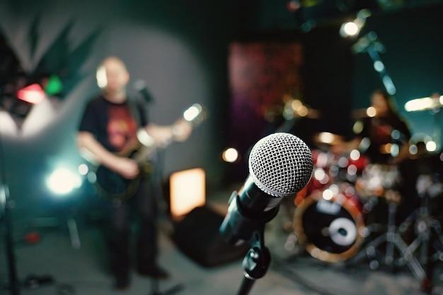 Mikrofon w studiu nagrań