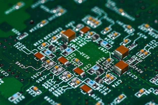 Mikroukłady, radioelementy, procesor na płycie elektronicznej, płyta główna