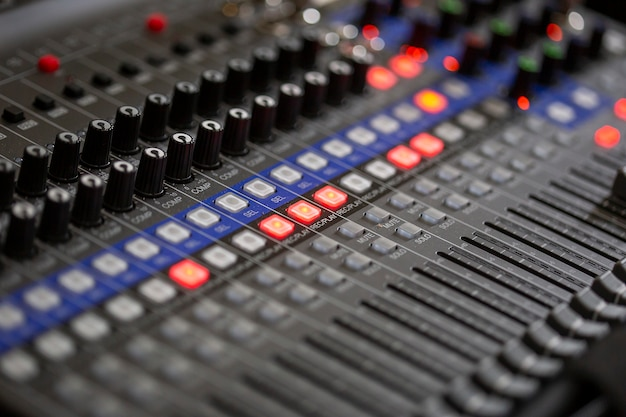 Mikser dźwięku z bliska w studio