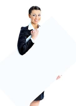 Miła biznesowa kobieta z białym sztandarem. pojedynczo na białym tle.