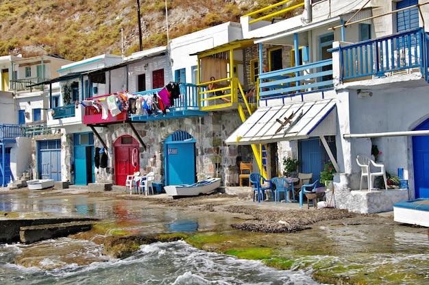 Milos - tradycyjna wioska rybacka klima, piękne wyspy grecji, cyklady