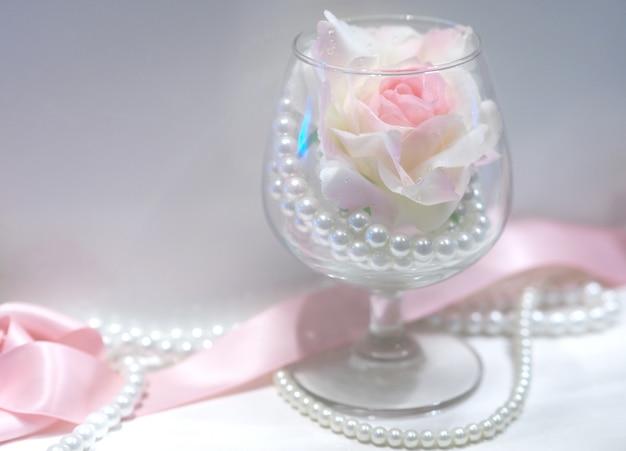 Miłość akcesoria różane