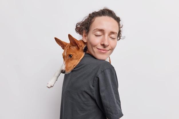 Miłość między ludźmi a zwierzętami