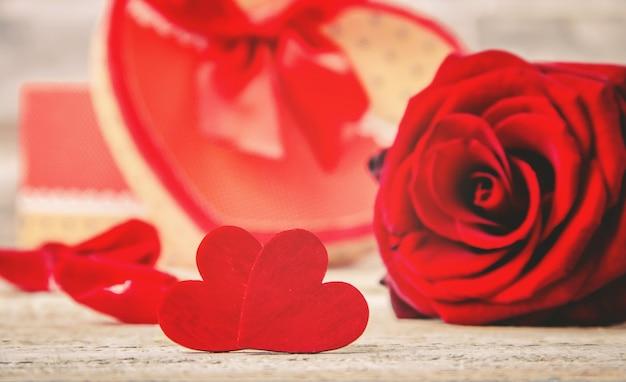 Miłość tła i romantyczny. selektywna ostrość. kochanek