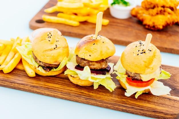 Mini hamburger wołowy