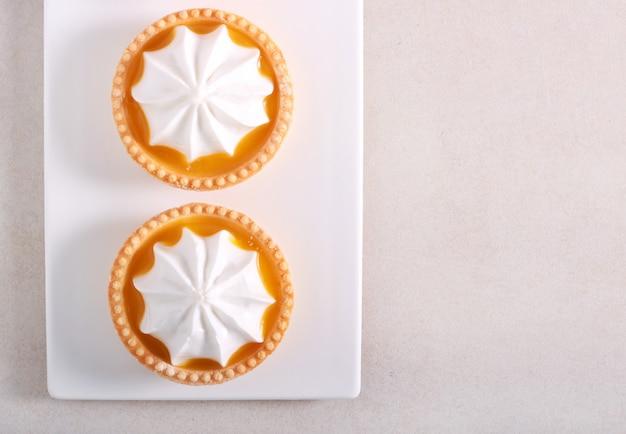 Mini tarty z bezą cytrynową